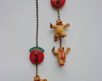 Rare Vintage Always Coca-Cola Ice Skating Bears 2 Pull Chain Figurines Collectible Nostalgia Retro 90s Soda Pop Novelty Lighting Accessories