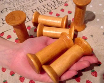 Vintage Wooden Spools Bobbins Antique Ribbon Holder Spool 8cm Tall Thread Holder - Set of 5