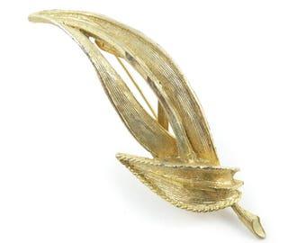 Vintage Leaf Brooch, Gold Tone, STY36