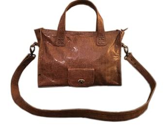 """Handycity Brown Craked"" camel leather handbag"