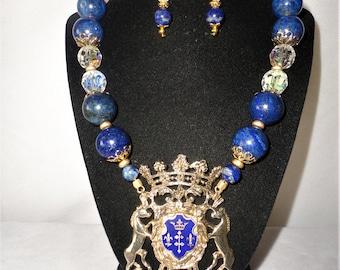 Gorgeous Austrian Crystals Lapiz Horse Crest Pendant Necklace********.