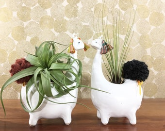 llama vase / alpaca vase/ air plant vase / vintage white / one llama
