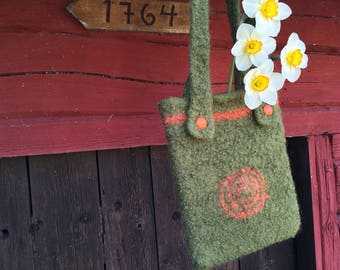 Wool shoulder bag, handmade wool bag, crocheted bag, green shoulder bag, woolly shoulder, wool shoulder pouch