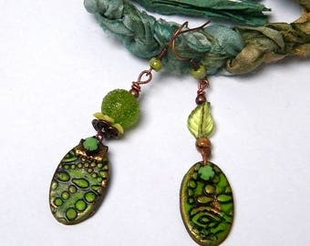 Earrings dissociated, romantic, poetic, polymer clay, glass, brass, lucite