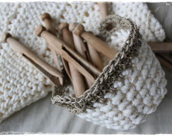 Cup cream with 10 VINTAGE clothespins - a favorite piece from my kitchen - vintage yarn crochet handmade by lavendelherzl