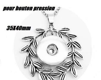 Leaf snap Crown necklace