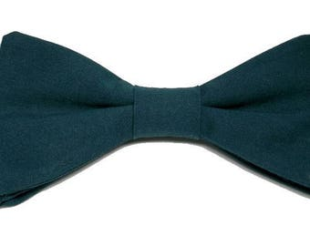 Prussian blue bowtie with straight edges