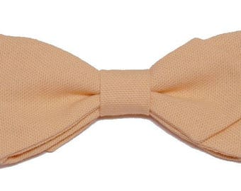 Apricot bowtie with sharp edges