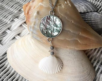 Handmade Seashell Pendant Necklace 18,20,22 inch length chain