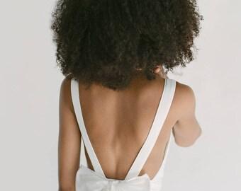 Brianna // A backless, chiffon wedding dress