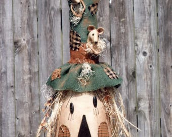Primitive MAILED PATTERN A Scarecrow to Crow About