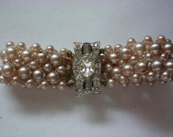 Faux Pearl Rhinestone Clasp Bracelet - 5626