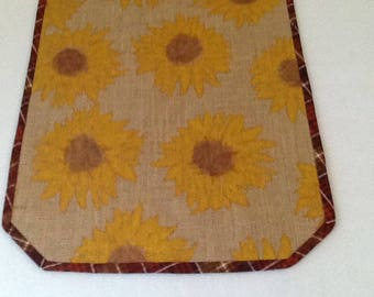 Sunflowers on Burlap.   Golden sunflowers   Fall tablerunner   Thanksgiving tablerunner