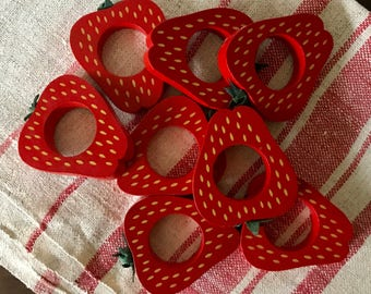 Vintage Strawberry Napkin Rings, Set of 8, Red Wooden Strawberry Napkin Holders, Country Cottage Table Setting, Summer Berry Kitchen Decor