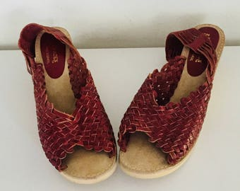 80s Huarache Sandals Oxblood Leather Wedge Sandal Shoes Size 8.5 M 39 40  made in Brazil