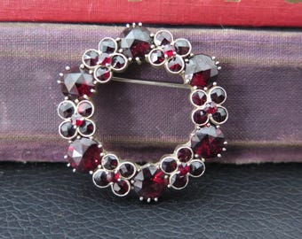 Vintage Sterling Silver And Garnet Circle Brooch