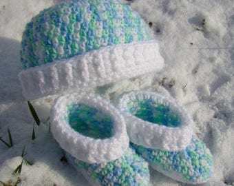 Hat and Booties Set - Newborn