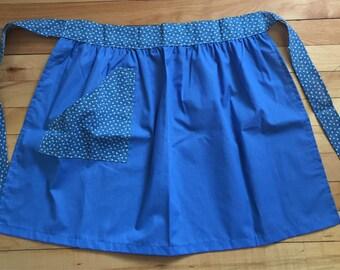 Vintage 1980s Blue Calico Floral Cotton Half Apron!