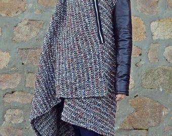 SUN SALE 25% OFF Italian Wool Boucle Coat / Extravagant Wool Boucle Coat / Grey Long Coat with Padded Black Sleeves and Hood Tc85 Jazz Up!