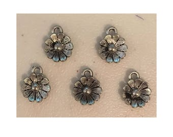 Flower daisy CHARM (5) charm antique pewter - 5 charms per pack