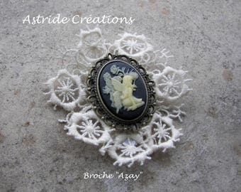 """Azay"" brooch in bronze metal cameo ivory and lace"