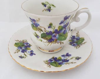 Vintage//Royal China Seltmann Meadows//cup and saucers//violet//Hightea//tea cup//brocante//English style//tea//Gift