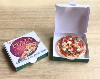 Miniature Pizza in Pizza Box,Miniature Bakery,Miniature Pizza, Dollhouse pizza Box,Miniature Food,Dollhouse Food
