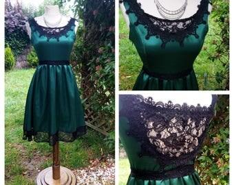 robe en satin de soie vert émeraude