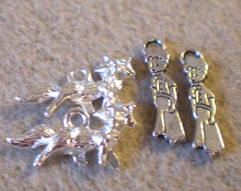 Set of 4 silver metal little PRINCE/Fox charms
