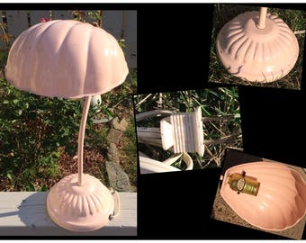 Retro/vintage table lamp/shell shaped lamp/ pink desk lamp/mid century modern/country cottage/french country/mothers day/office/little girls