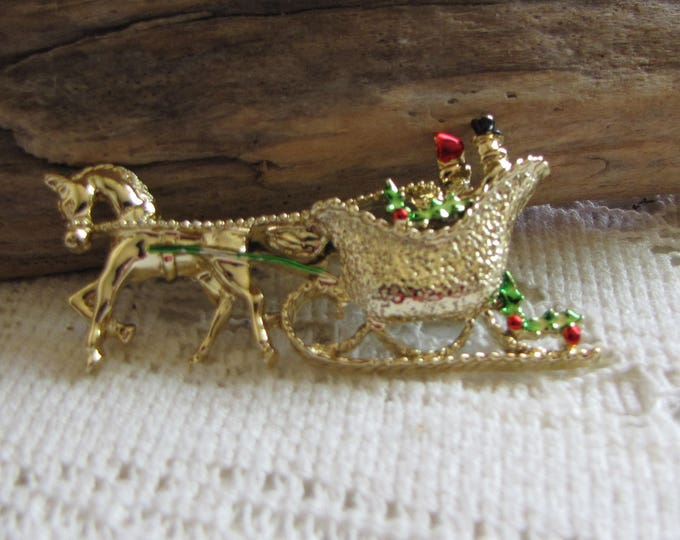Gerry's Christmas Brooch Horse and Sleigh Gold Toned Pin Women's Holiday Jewelry and Accessories