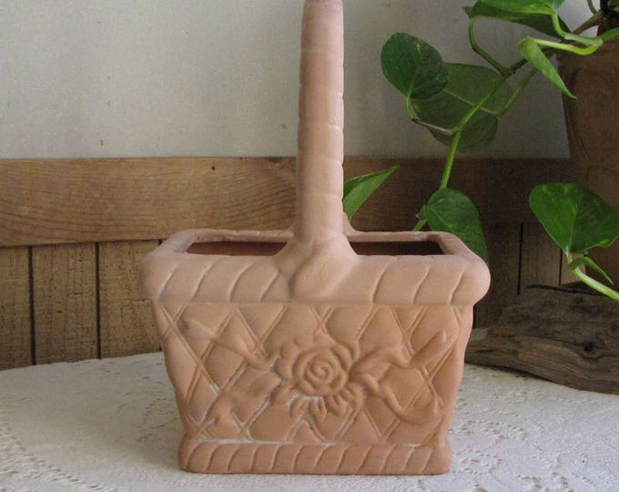 Clay Basket FTD Vintage Florist Ware and Bouquets Indoor Planters and Pots Gifts and Flowers