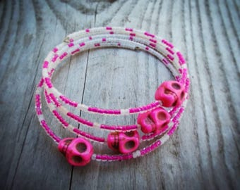 Memory Wire Bracelet - pink & white with pink skulls