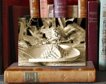 Paper Sculpture Fineart postcard Thumbelina n-5