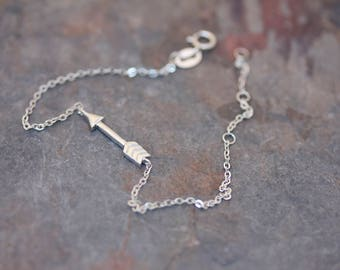 Mini arrow bracelet
