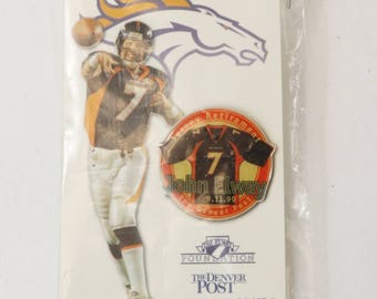 1999 Denver Broncos John Elway #7 Jersey Retirement Pin On Original Card