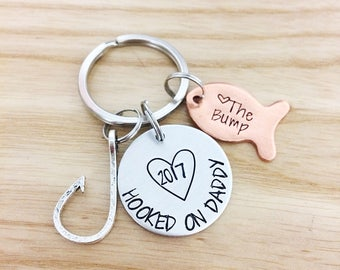 Father's Day gift - hooked on daddy - fishing keychain - personalized gift for dad - new dad gift - pregnancy announcement - gift for father