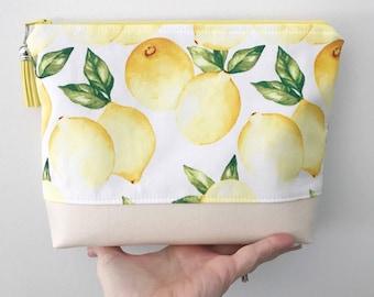 essential oil bag//essential oil storage//essential oils pouch//travel bag//lemon fabric//makeup bag