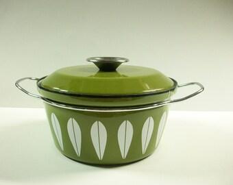 Cathrineholm Green Lotus Pot, Avocado Green & White Dutch Oven Enamelware Pot, Retro Modern Cookware, Vintage Casserole Stock Pot, Norway