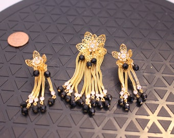 Vintage Flower beaded and  Rhinestone Earrings and Matching Brooch in Gold Tone Clip on style, All the Fashion!