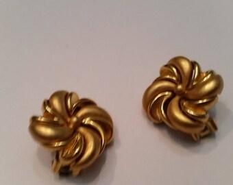 Vintage Monet Gold Earrings Square Swirl