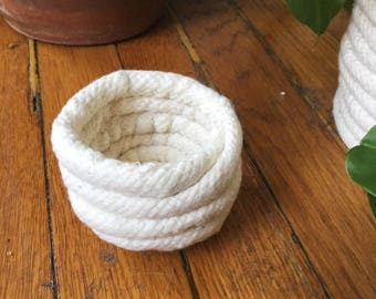 mini rope basket