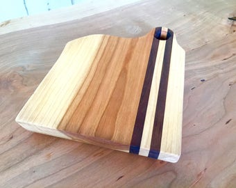 Natural Edge Cherry with Walnut inlay – Cutting board