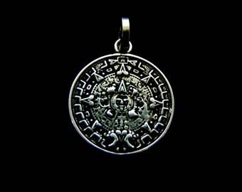 Vintage Estate .925 Sterling Silver Mayan Aztec Calendar Pendant 2.8g #E3169