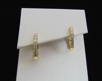 Pr of Womens 14K Yellow Gold Diamond Hoop Earrings 3.6g E3530