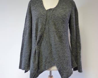 Warm knitted grey sweater, L size.