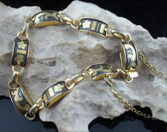 Vintage Art Deco bracelet  gold  tone charm floral design safety chain  cc114