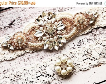 ON SALE Wedding Garter, NO Slip Lace Wedding Garter Set, bridal garter set, pearl and rhinestone garter set, vintage rhinestones Style A1086