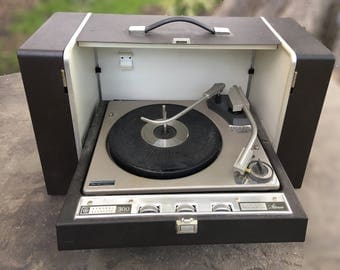 General Electric (GE) solid-state stereo 300 portable phonograph / record player