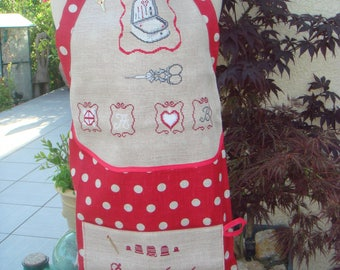 APRON EMBROIDERED LINEN THUMBPRINT